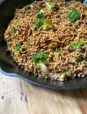 Beef & Broccoli Ramen in Skillet